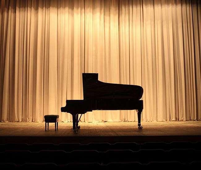 Short term rental piano